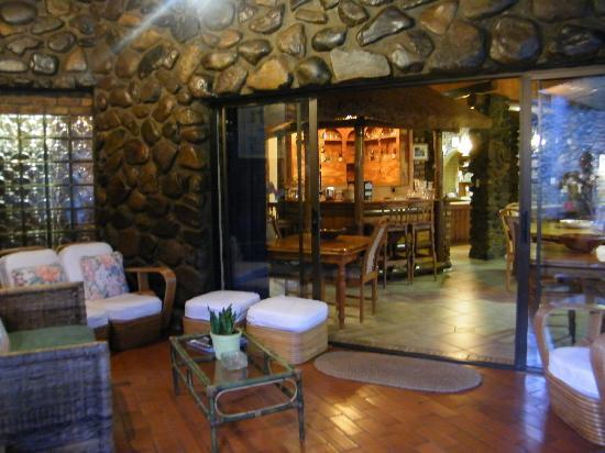 The Sabie Townhouse Guest Lodge : Bar and breakfast area