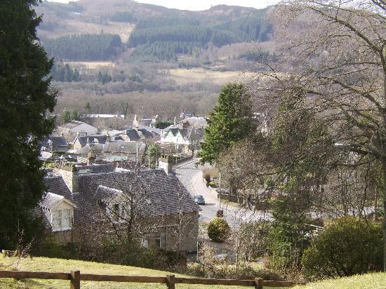 The Pitlochry Hydro Hotel: View across Pitlochry from outside hotel