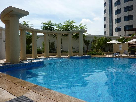 Park Hotel Clarke Quay: PHCQ Highlight #1: The Pool!