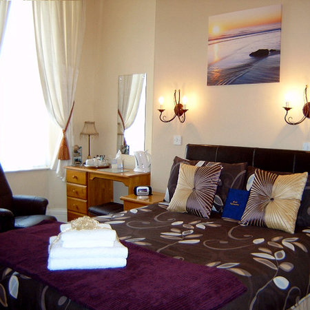 Summerlands Guest House: Superior Room ( Room 2 - Double )