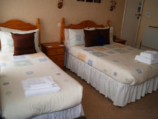 Summerlands Guest House: Guest Room ( Room 4 - Triple )