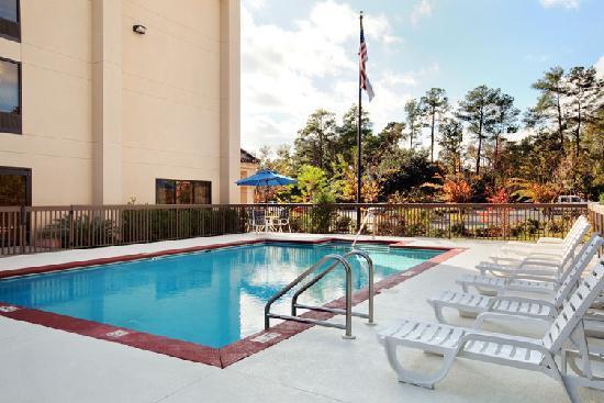 Hampton Inn Tallahassee Central: Outdoor Heated Pool
