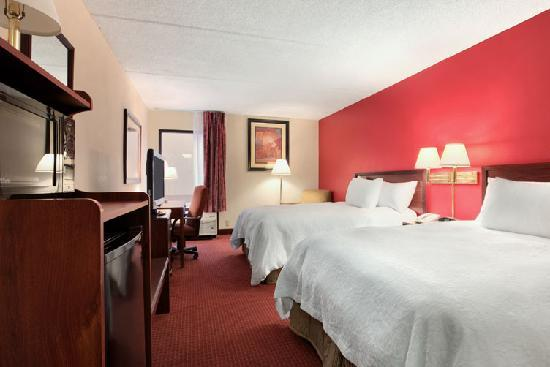 Hampton Inn Tallahassee Central: Double-Bed Guest Room