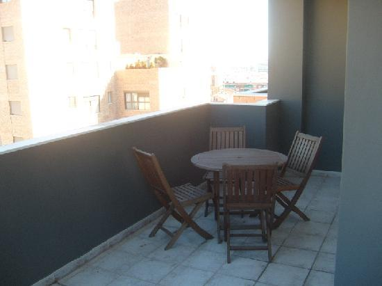 Plaza Picasso: Terrace at 1st floor in the apartment