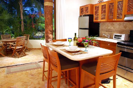 Porto Playa Condo Hotel & Beachclub: fully equiped kitchen