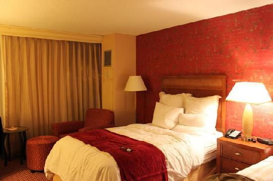 Coco Key Water Resort at Courtyard by Marriott Fitchburg: Room
