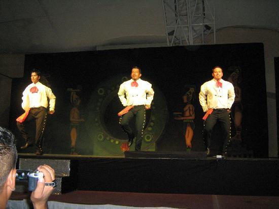 Tesoro Manzanillo : Entertainment