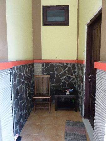 Puri Guest House : Guest room entry