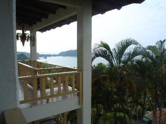 Hotel Costa Verde : Costa Verde CR view from one end of Balcony