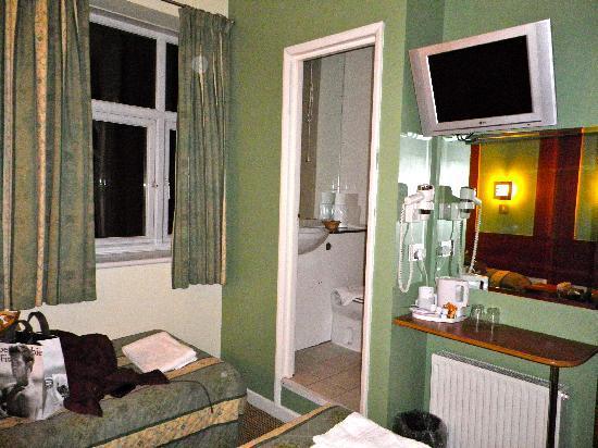 Westbury Hotel Kensington: chambre double lits jumeaux