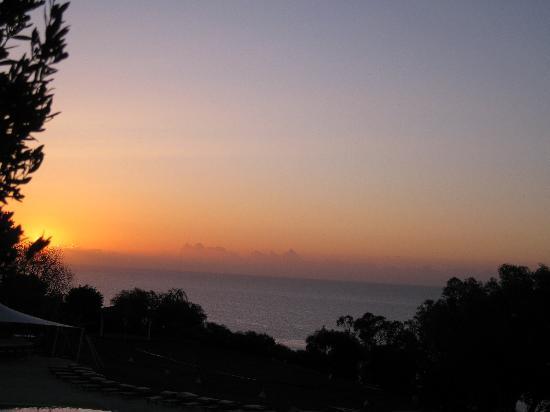 Grecian Park Hotel : Sunrise