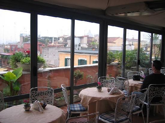 Hotel Madrid: Rooftop Breakfast Room