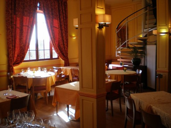 Stay away picture of la mere poulard cafe mont saint michel tripadvisor - Restaurant la mere poulard ...