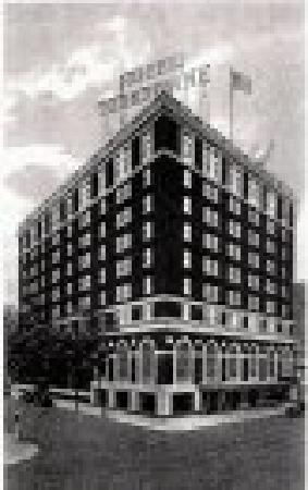 The Yorktowne Hotel : HIstoric Photo of Yorktowne Hotel