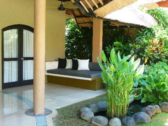 The Villas Bali Hotel & Spa: Relaxing Day Beds
