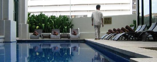 The Majestic Malacca: check out the flowers in the pool towels