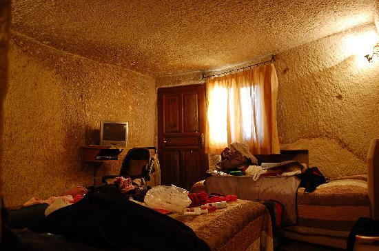 SOS Cave Hotel: Our Cave Room