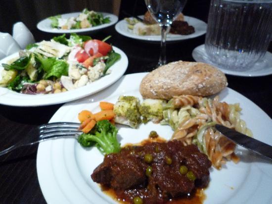 Cromwell Crown Hotel: 夕食
