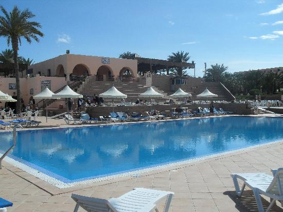 Club Oasis Marine: belle piscine