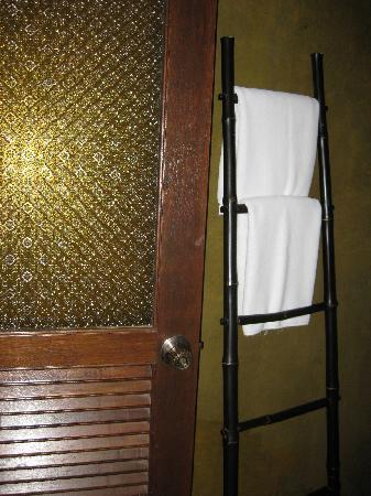 Amanta House : Towel rack