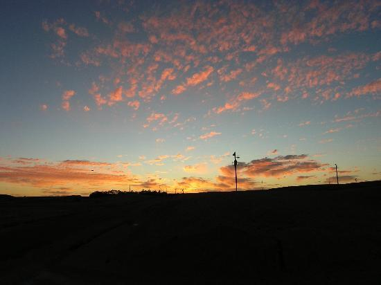 Underground Bed & Breakfast: Sunset at Coober Pedy