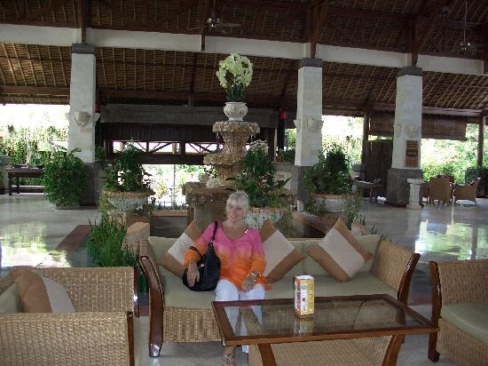The Grand Bali Nusa Dua: Grand Bali lobby