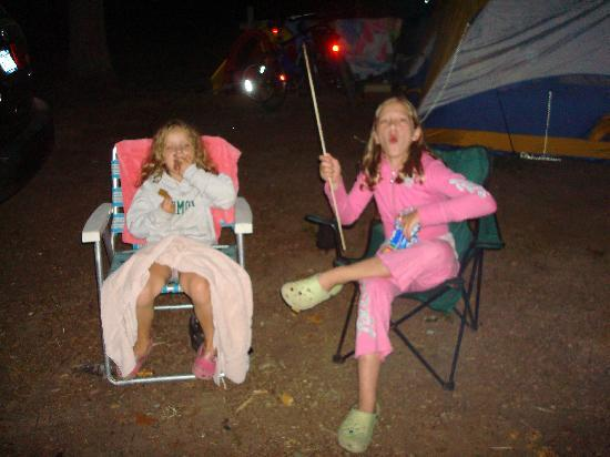 Atlantic Oaks Campground: best part-and walking on bike path w flashlights to get ice cream