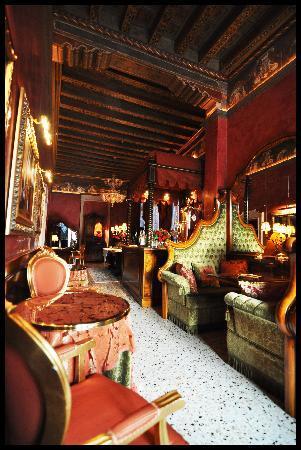 Al Ponte Antico Hotel: Breakfast / lounge area