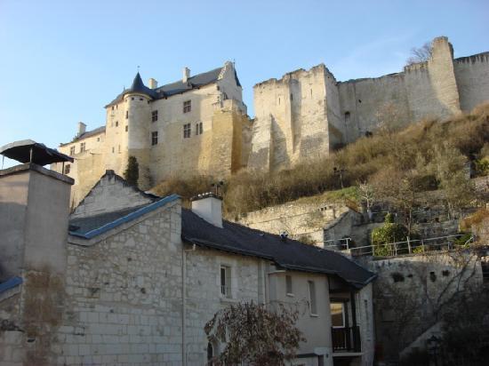 Hostellerie Gargantua: View from of castle from Badabec