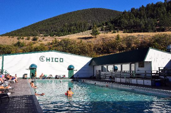 Chico Hot Springs Resort: Chico Pool