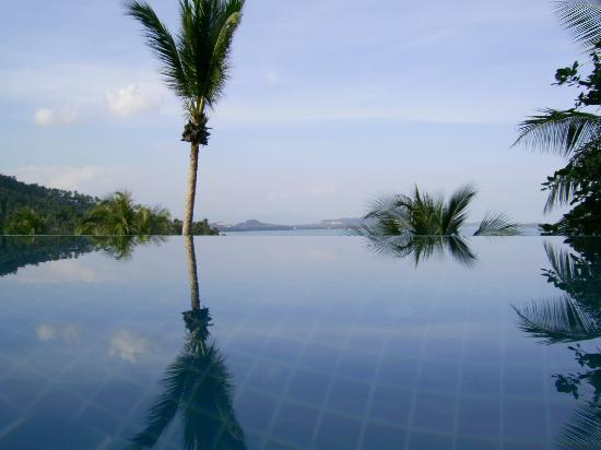 View from the pool to chaweng bay