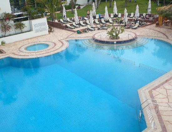 Mercure Cairo Le Sphinx: Piscina del hotel