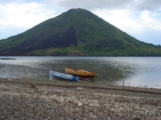 Ambon, Indonesien: air mulai surut