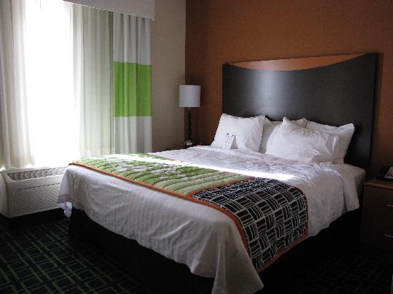 Fairfield Inn & Suites Twentynine Palms-Joshua Tree National Park: Unser Schlafraum