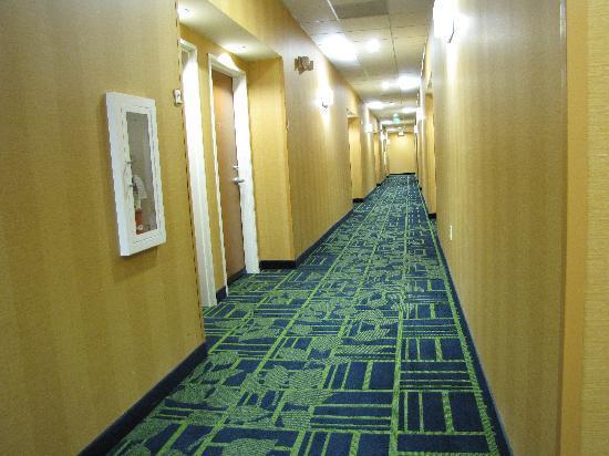 Fairfield Inn & Suites Twentynine Palms-Joshua Tree National Park: Der Gang zu unserem Zimmer