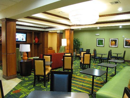 Fairfield Inn & Suites Twentynine Palms-Joshua Tree National Park: Der Frühstücksraum