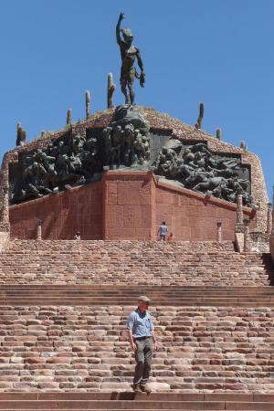 Monumento a los Héroes de la Independencia, Humahuaca, Jujuy.-