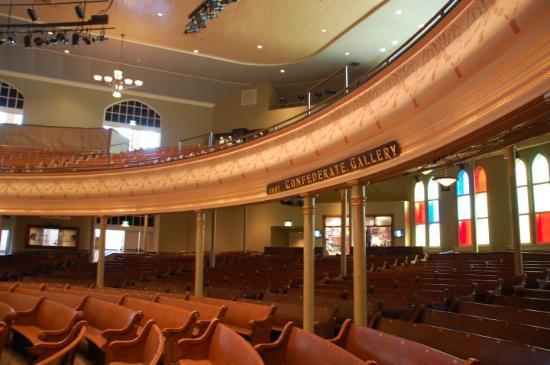 Ryman Auditorium: Looking front to back at Grand Ol Opry (Ryman)