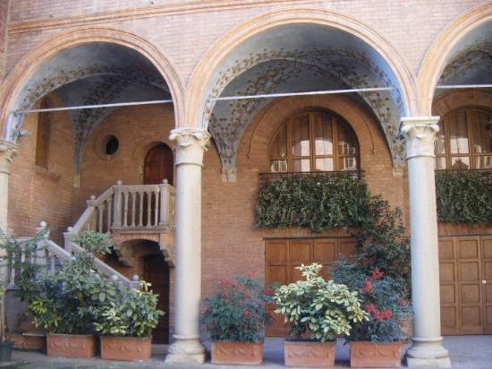 Reggio Emilia Photo