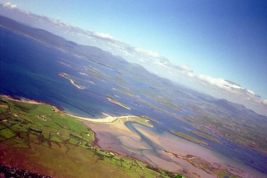 Westport, Irlande : The view from Croagh Patrick in Ireland.