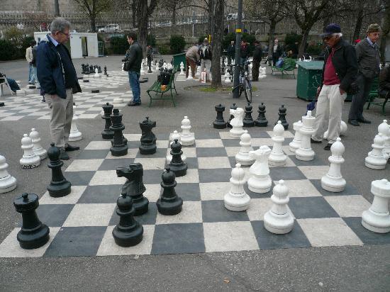 Reformation Wall (Mur de la Reformation): バスティオン公園での大型チェス