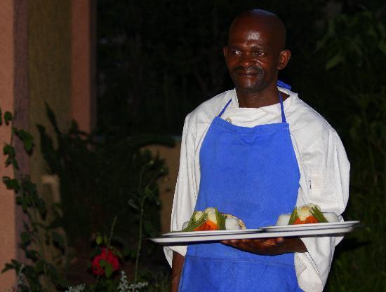 Amadeus Garden: Dinner time in the evening