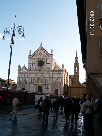 Basilica di Santa Croce: Church of Santa Croce....Michelangelo, Machiavelli and Galileo are buried here.
