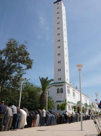 Nador, Марокко: Hora da oração.