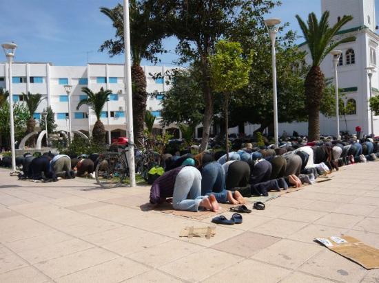Nador, Morocco: Rezando 2.