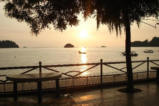 Pangkor, Malasia: Sunset from the hotel