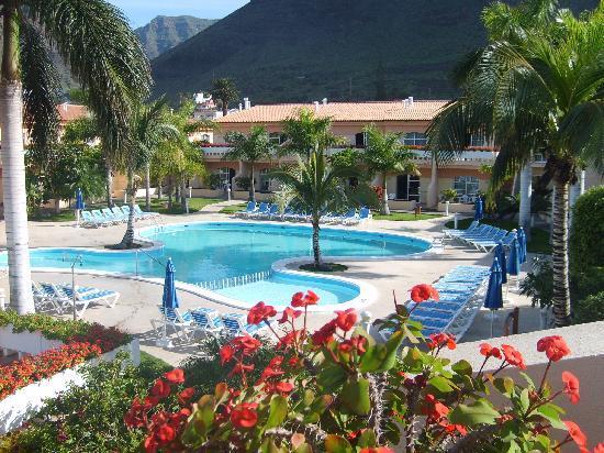 Jardin del Conde: Garden / Pool