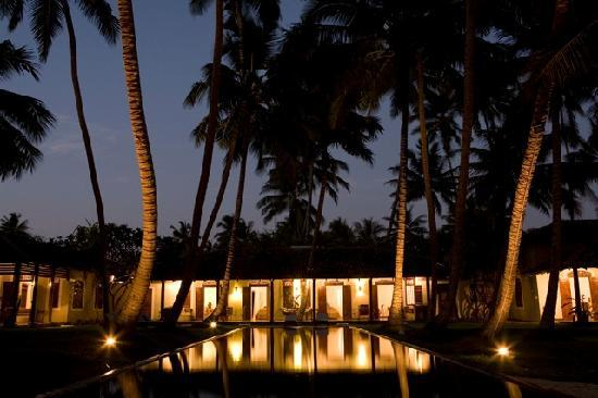 Apa Villa Thalpe : Apa Villas after Sunset