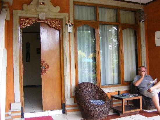 Puri Naga Seaside Cottages: 101