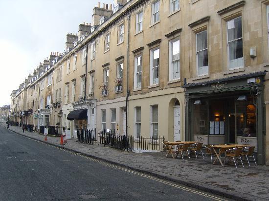 Brocks Guest House: Brock street with hotel